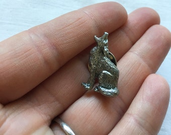Vintage Silver Tone Engraved Howling and Sitting Coyote Brooch Pin, Signed 741