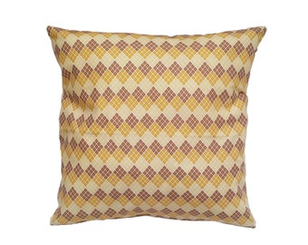 1 Pillow cover - Brown and yellow diamonds