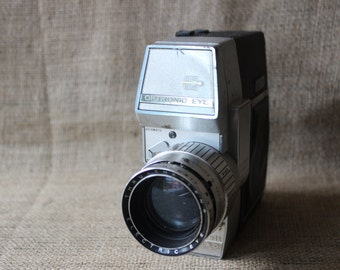 Vintage Bell & Howell Optronic Eye Auto Load Camera, Electronics, #560