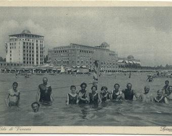 Swimming @ the Lido di Venezia SPIAGGIA VENICE Italy VINTAGE Postcard