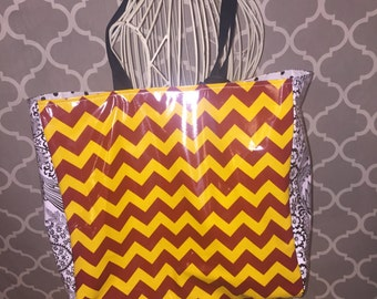 The Darling Tote maroon & gold