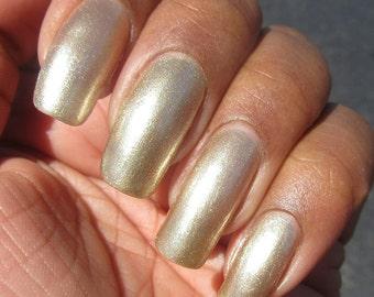 Golden Elegance - Metallic shimmer gold polish