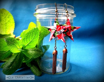 Boucles d'oreille pendantes / Pendentifs d'oreilles origami / Boucle d'oreille fantaisie - originales / étoile pompom longues / rouge noir