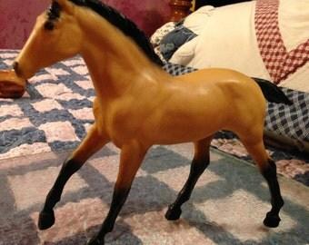 Breyer Model Horse: Action American Buckskin Stock Horse Foal