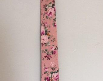 Vintage Pink Floral tie