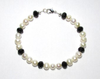 Genuine Pearl and Black Faceted Bead Bracelet - Free P&P