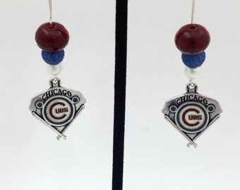 1 Pair - Chicago Cubs Theme Dangle Beaded Earrings Brass Ear wire Kidney Style EAR0035