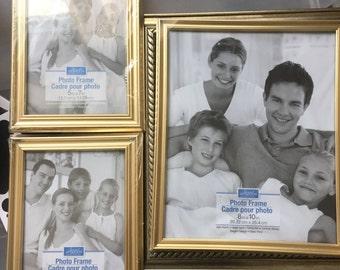 Gold frames (3 frames)