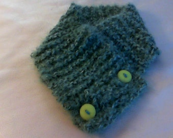 Hand knit neck warmer scarf with buttons