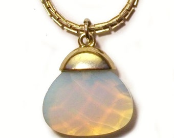 Moonstone Pendant Faceted Milky Rainbow Gem Stone Silver Setting Vintage Chain