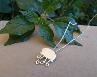 Sterling silver necklace/Jellyfish necklace/Jellyfish sterling silver necklace/Sea jewelry/Silver chain/Sterling silver chain/Collar medusa