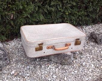 Cream speckled white skai vintage suitcase