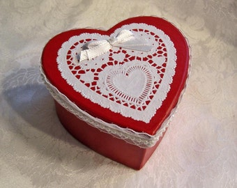 Victorian Style Gift Box / Valentines Day Gift Box / Handmade Gift Box / RED Heart Shape Box