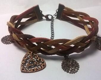 Lovely charm sued bracelet