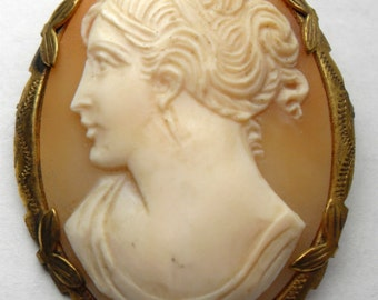 Antique Victorian Cameo Pin Brooch
