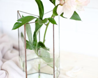Geometric Glass Vase / Handmade Glass / Modern Wedding Decor / Contemporary Design Geometric Glass Vase