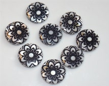5 Shell Loose Beads Round Black and white Flower Pattern Painted About 20mm