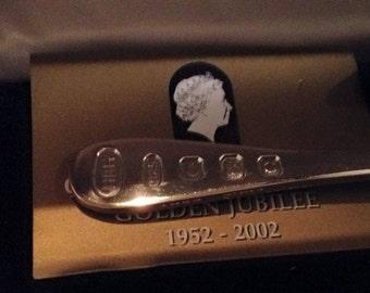 boxed queen elizabeth II silver jubilee silver spoon