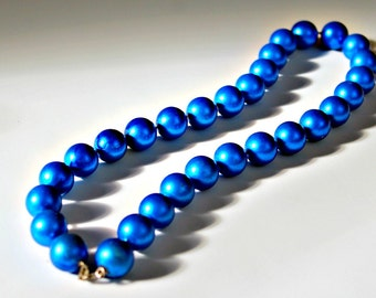 Vintage Cornflower Blue Beaded Necklace