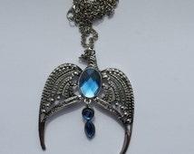 Diadem ravenclaw horcrux pendant necklace Harry Dumbledore Hermione Ron