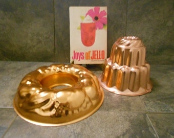 Vintage Jell-o Lovers Lot - Cookbook & Two Beautiful Molds