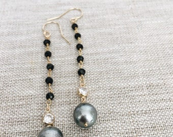 Tahitian Pearl drop with Black Spinel gemstone