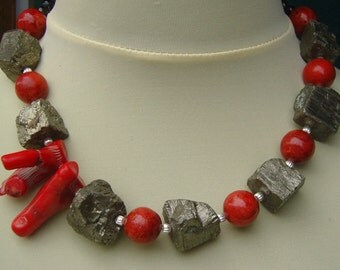 Necklace - high quality necklace with Pyrithbrocken
