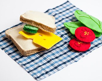 felt sandwich, felt food, sandwich set, play food, miniature food, fake food, Montessori toy, kitchen toys, egg sandwich, Waldorf toy