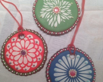 6 Iced gingerbread cookie medallion necklaces