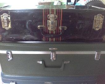 Large vintage Metal Suitcase, Black, metal corners 24x12x 7