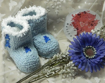 Bootee Slippers  BO6  Medium (6 - 12 months. Heel to toe 11cm approximate