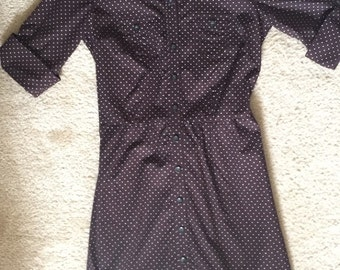 Long white polka dots chocolate dress with belt