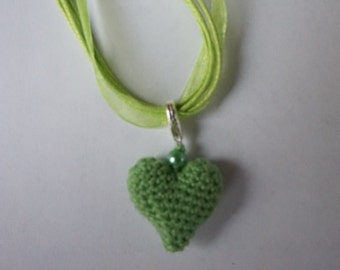 Self-crocheted necklace with organza necklace