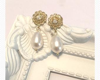 Wedding earrings stud gold plated earrings teardrop Swarovski pearls wedding earrings gift bridal bride vintage dangle flower drop earrings