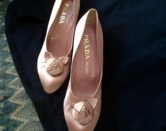 Vintage Salmon Pink Prada high heel Pumps with Rosettes