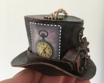 Steampunk Christmas ornament: mini hat with glasses