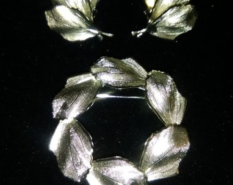 Silvertone Fashion Leaf Wreath Pin and Clip-on earrings