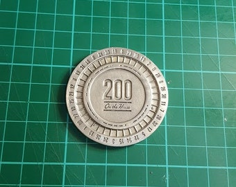 Lucky Platinum poker chip