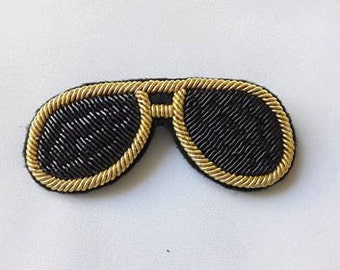 """Brooch embroidered with gold thread """"Sunglasses"""""""