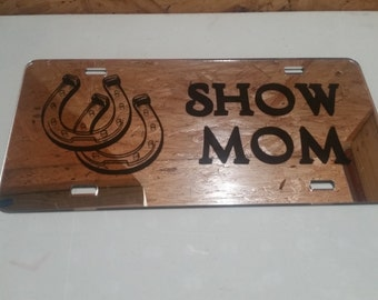 Show Mom with Double Horse Shoe License Plate