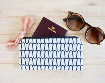Lou travel pouch