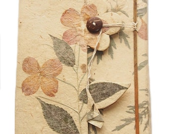 Wildpetal Wildfields Pressed Flower Journal