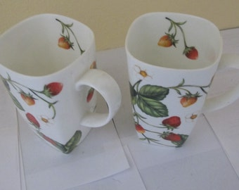 England large Strawberry Cups (2 PIECE SET)