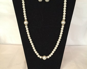 White Pearl Touch of Sparkle Jewelry Set