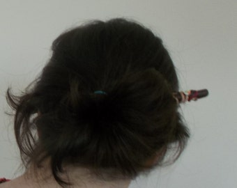 Pic fimo marron décor guimauve Brown fimo hairstick with marshmallow ornementation