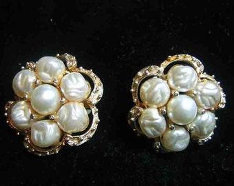 Vintage Kramer Baroque Pearl Clip On Earrings