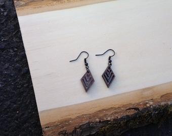 Mini rhombus walnut earrings