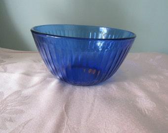 Vintage  Pyrex,Blue Glass Serving Bowl