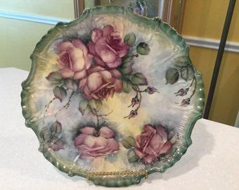 "Lovely colorful Joye Hinton designed 10&1/4"" plate roses"