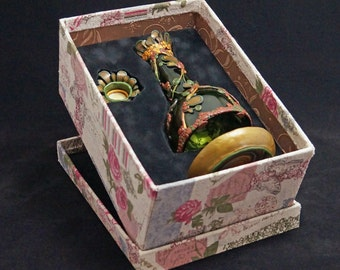 Incense burner green red/incense neighbors red green